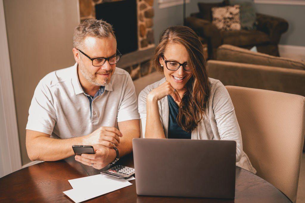 start a good money making from home blog